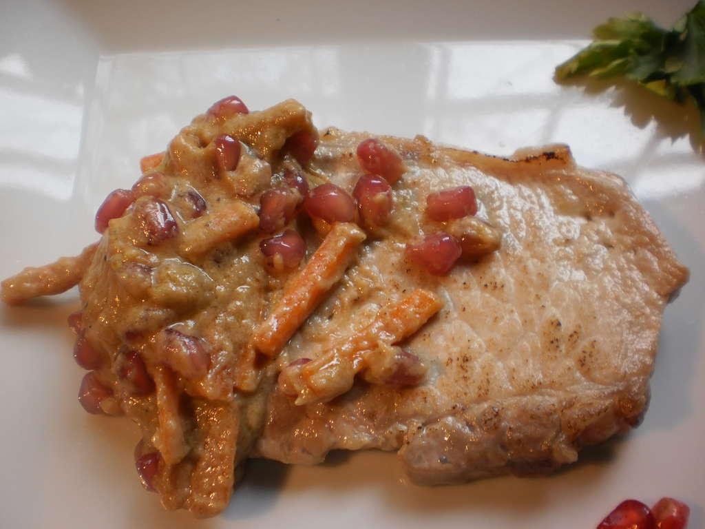 Lomo de cerdo con salsa de granada