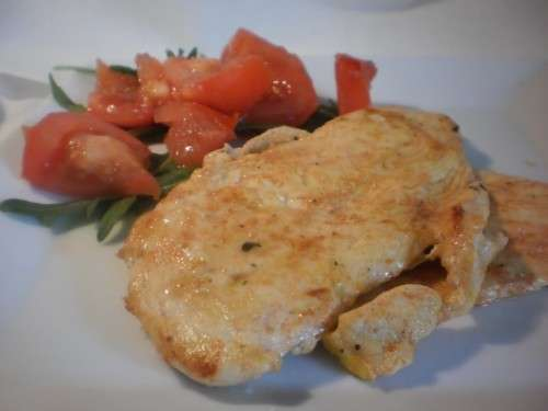 Pechuga de pollo adobada  a la plancha