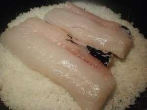 preparación del pescado a la media sal