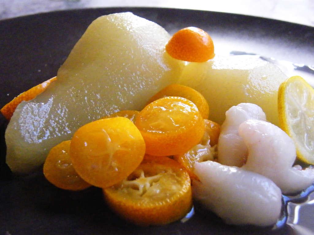 Bonito Al Baño Maria:Peras al baño María con cítricos y litchis naturales, receta www